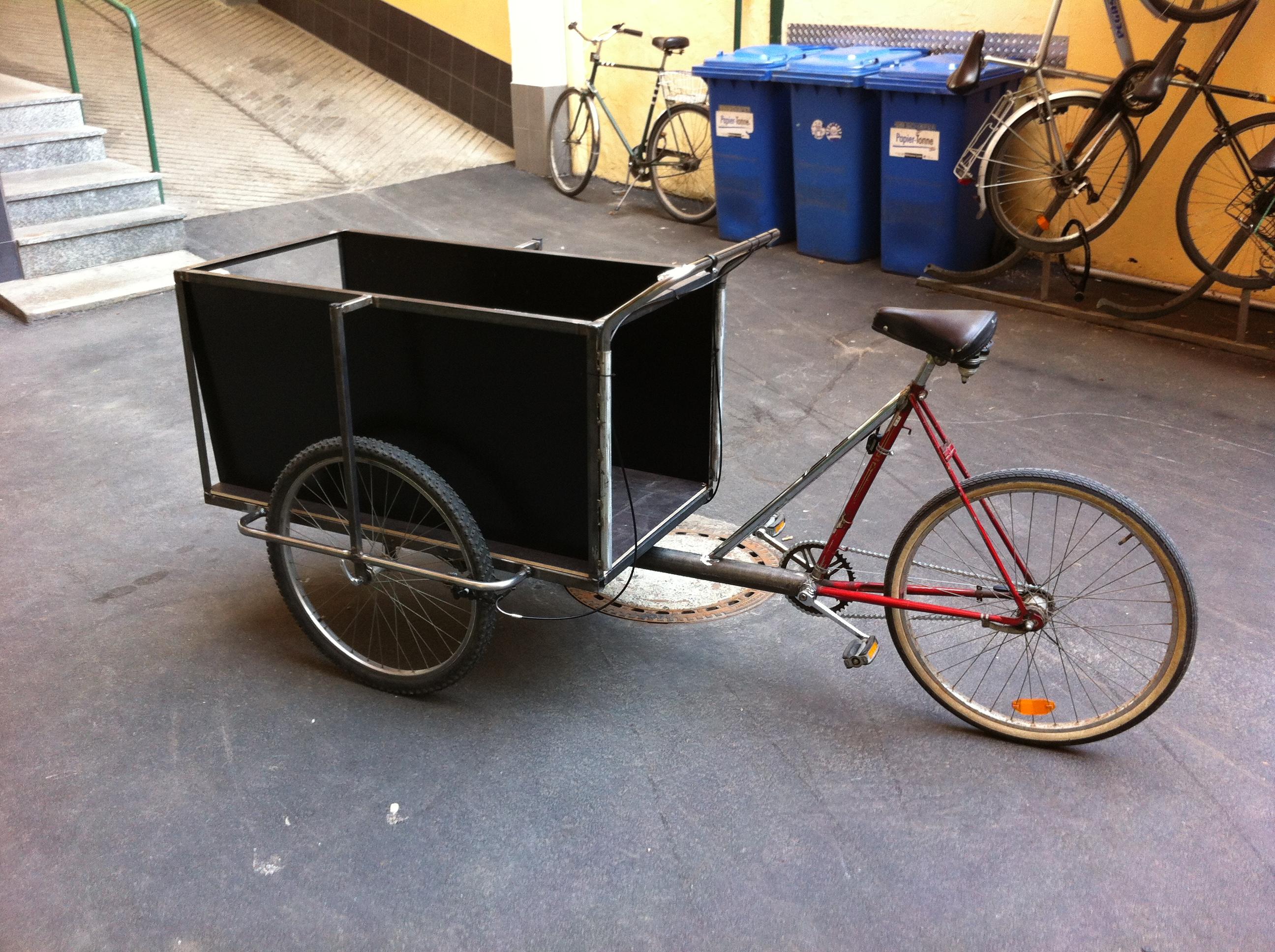 Miniatur fahrrad mit korb aus metall schwarz für puppenstube